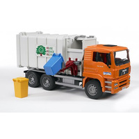 BR  1:16 Man Side Loading Garbage Truck Orange 240 02761